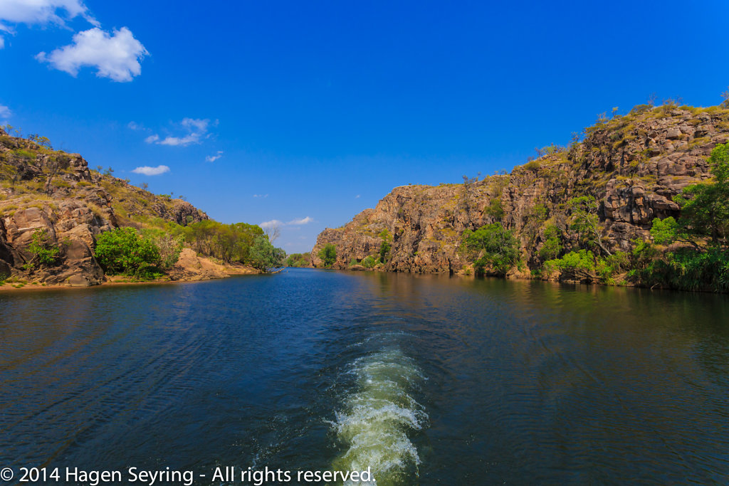 Tour throughthe Katherine Gorge