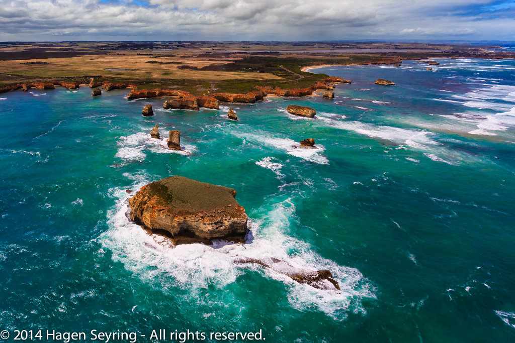 Aerial view on the Bay of little Islands on the Great Ocean Road