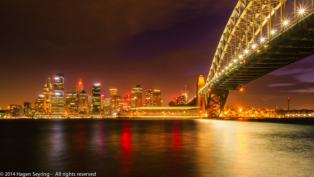 Ferry crossing the Sydney Harbour