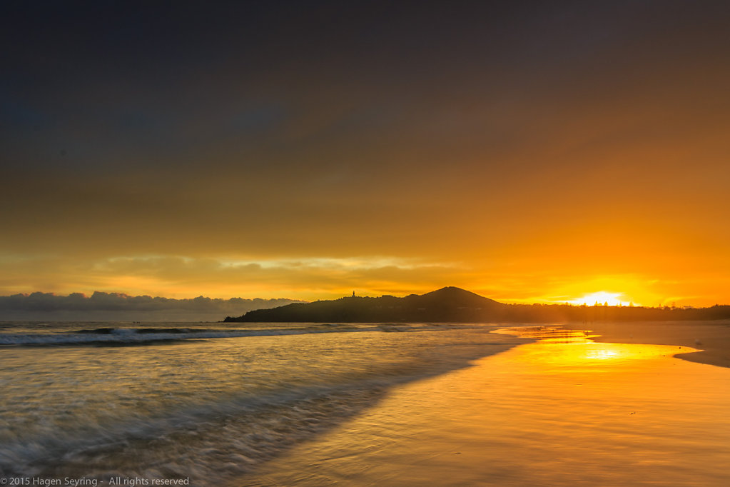 Sunrise on the beach of Byron Bay