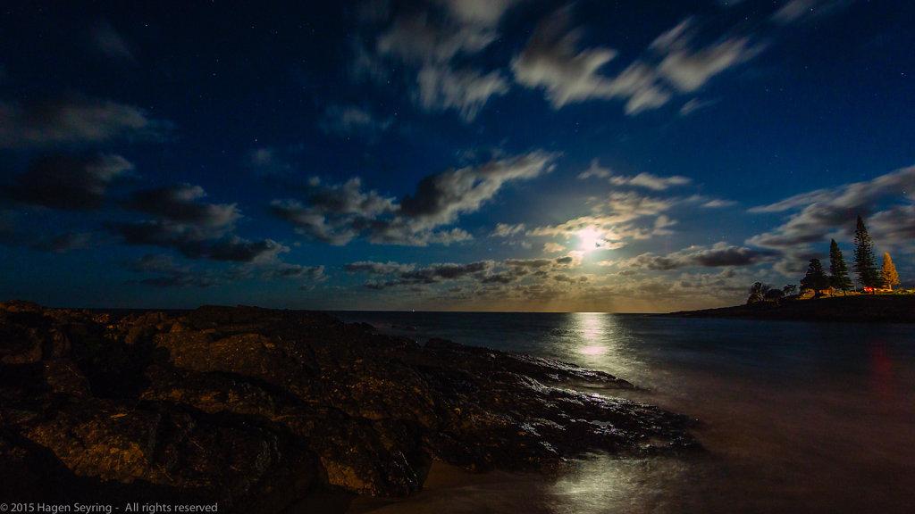 Moonrise on South West Rocks